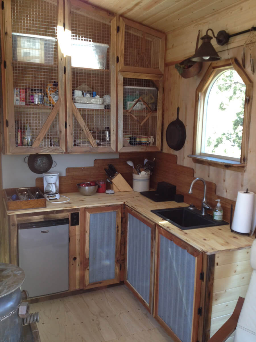 rustic_kitchen_cabinets_diy