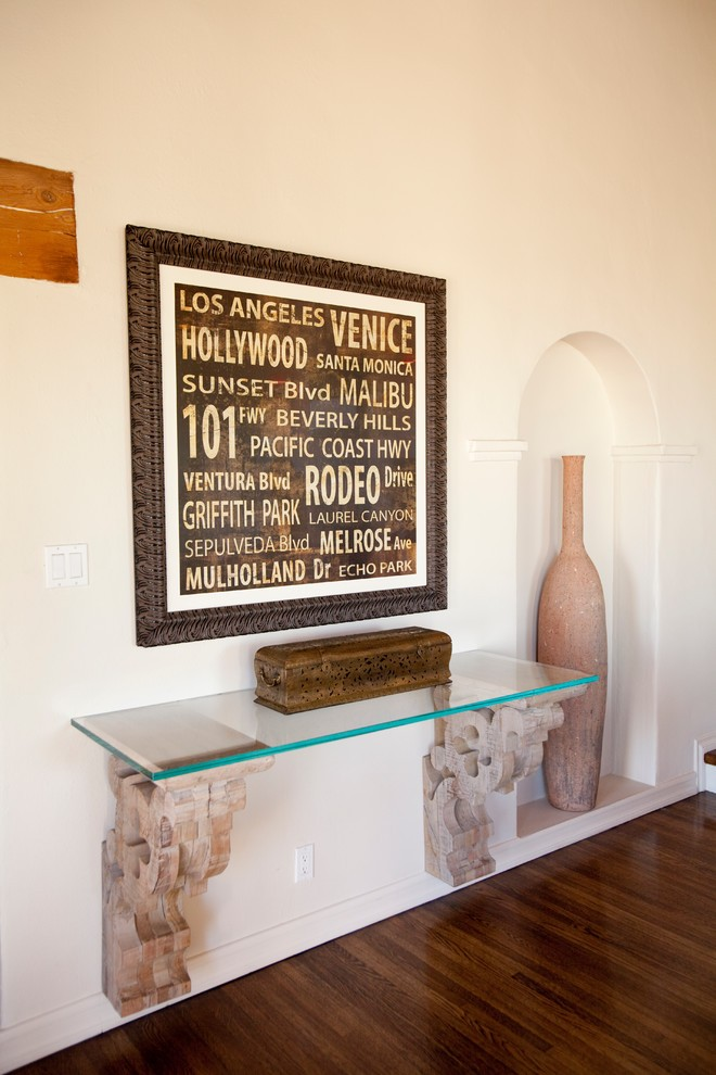 Wall_Mounted_Foyer_Table_ideas