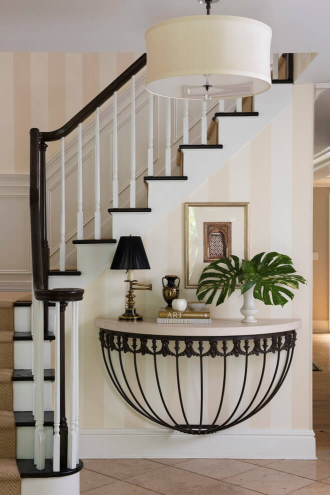 entry_hall_table_decorating_ideas