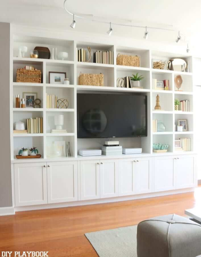 living_room_with_mounted_tv