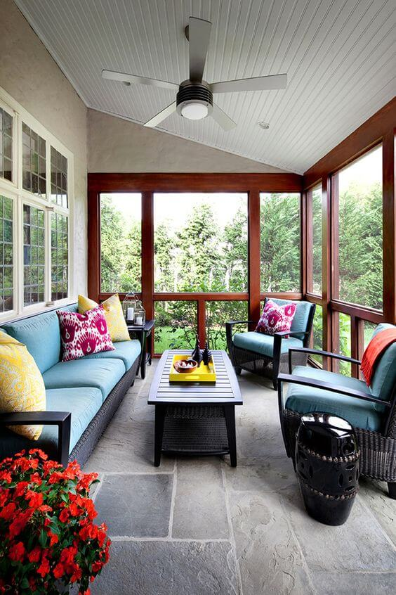 small_screened_in_porch_ideas