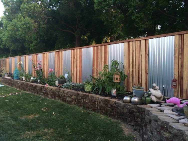 Metal_and_Wood_Fencing