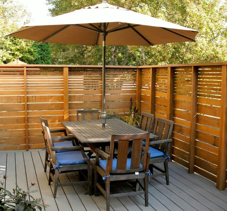 Outdoor_Privacy_Fence