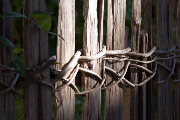 Plank_Fence_Ideas