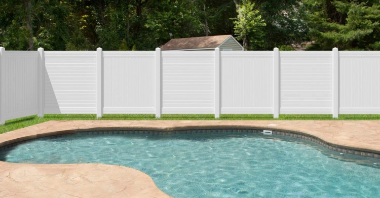 White_Horizontal_Slat_Fence