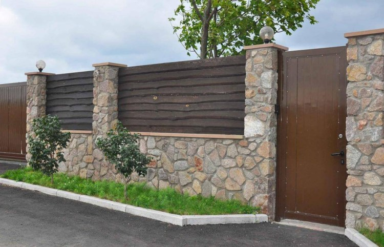 Wood_And_Stone_Fence_Designs