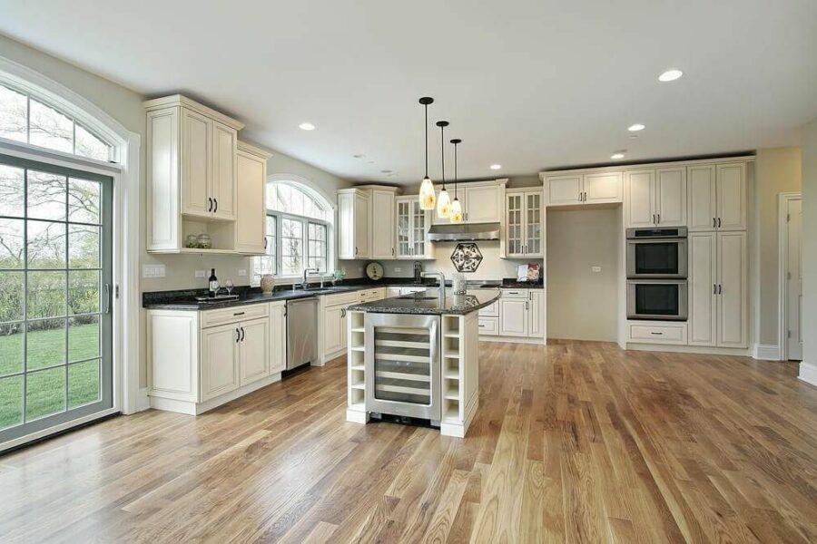 antique_white_kitchen_cabinet_doors