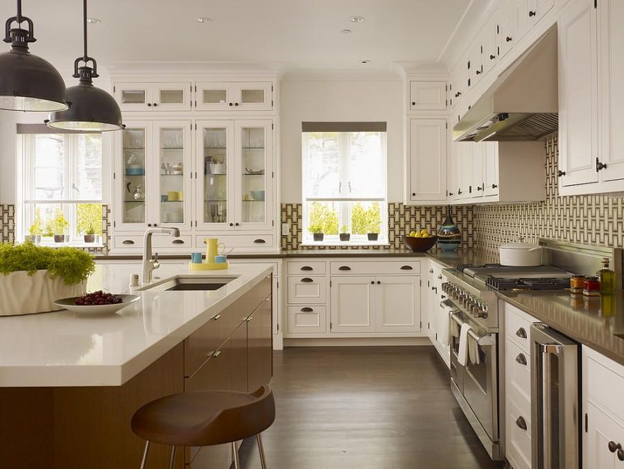antique_white_kitchen_cabinets_photos