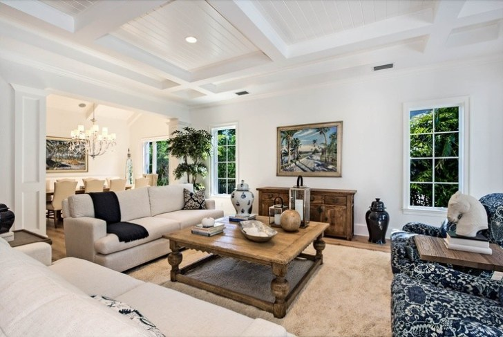 coffered_ceiling_and_crown_molding