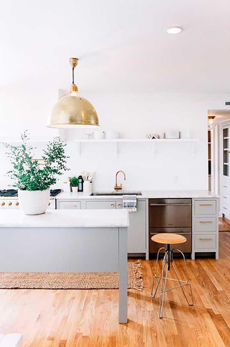 how_to_paint_antique_white_kitchen_cabinets