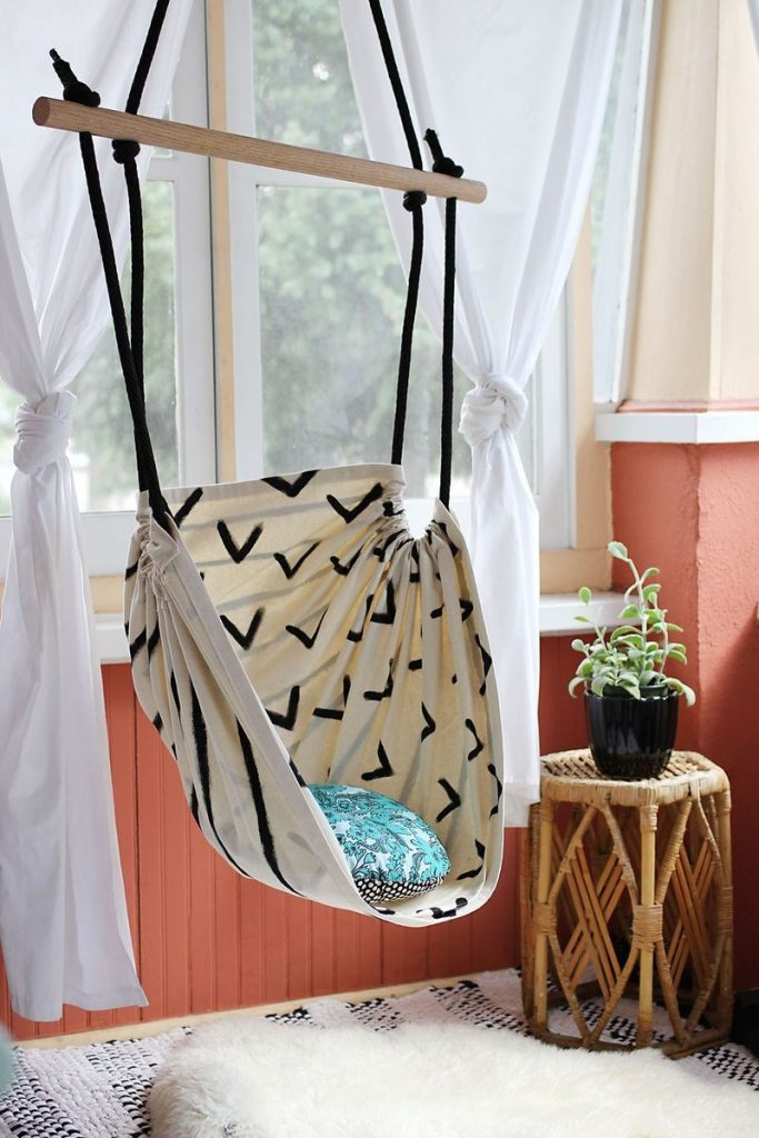 indoor_hanging_basket_chair
