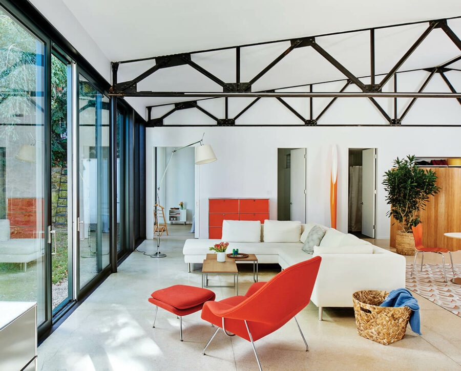 mid_century_modern_farmhouse_living_room