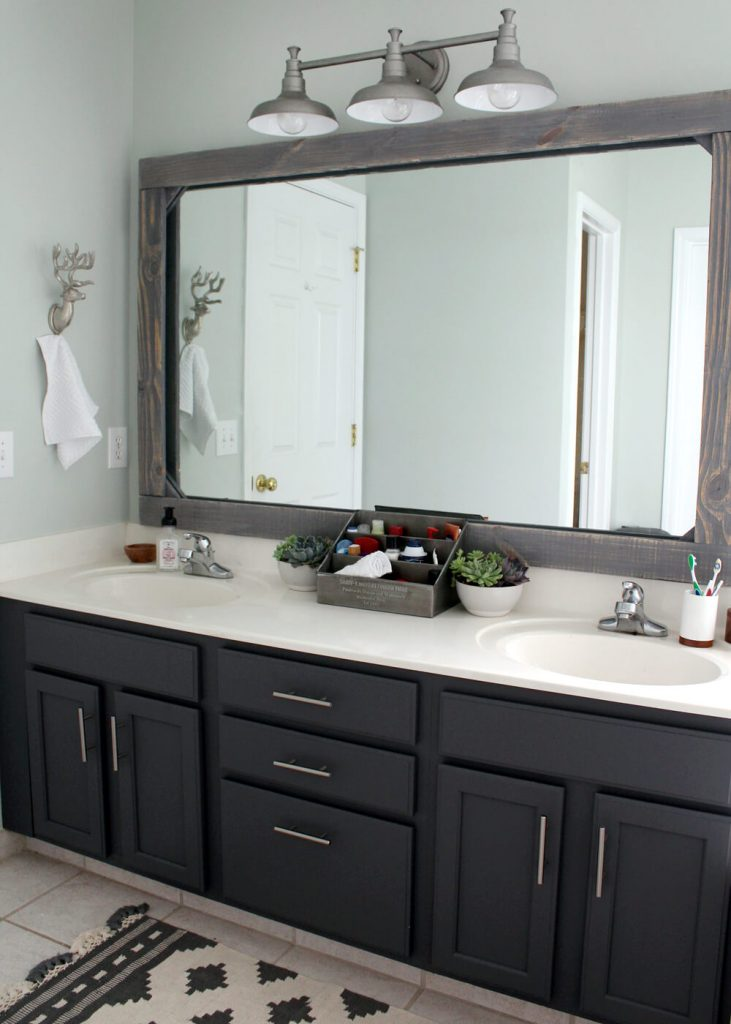 bathroom_lighting_ideas_over_mirror