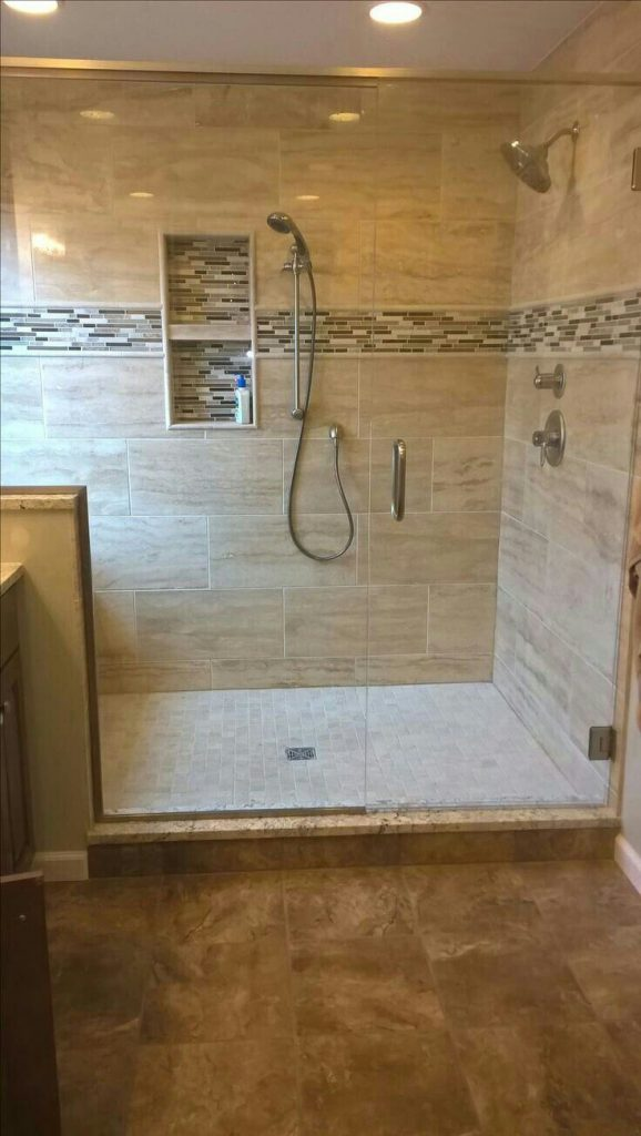 bathroom_shower_accent_tile_ideas