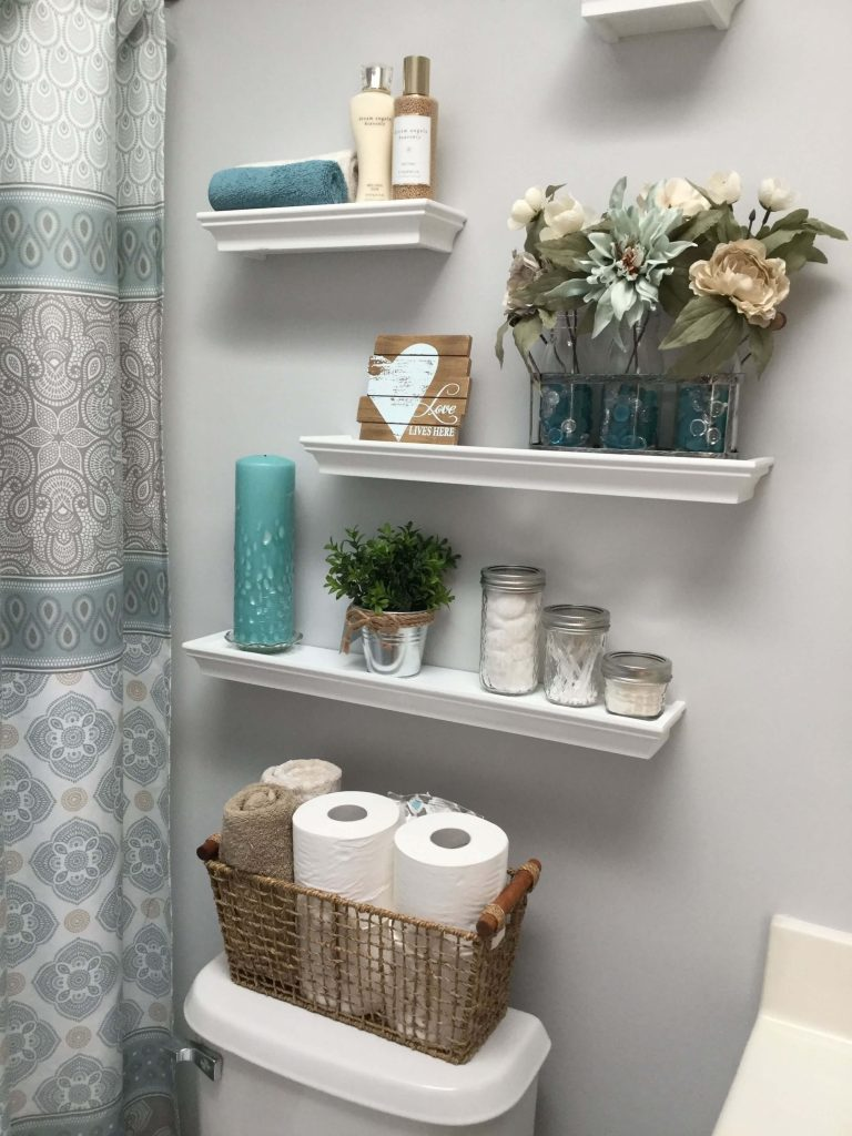 bathroom_towel_storage_wall_mounted