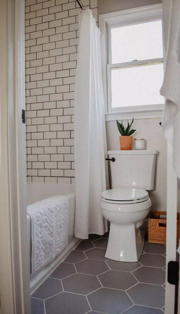 black_tile_bathroom_floor_ideas