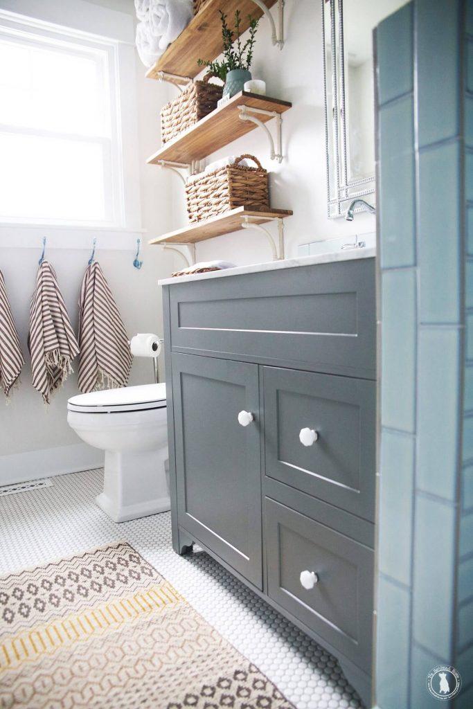 farmhouse_bathroom_shelf_ideas