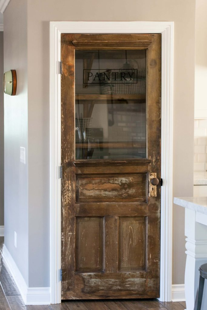 farmhouse_pantry_door_ideas