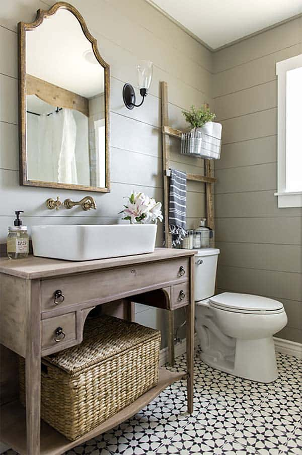 farmhouse_small_bathroom_vanity