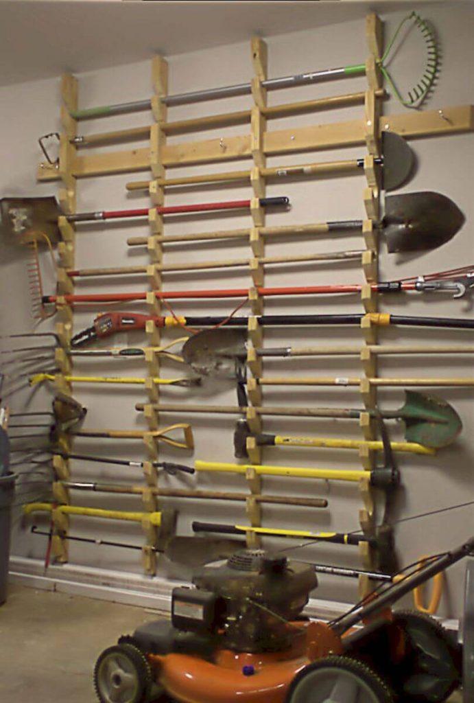 garden_tools_storage_rack