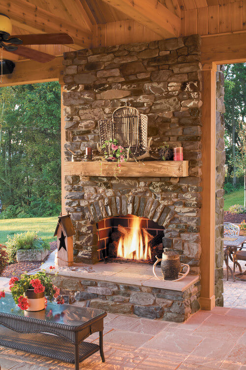 outdoor_fireplace_decorating_ideas