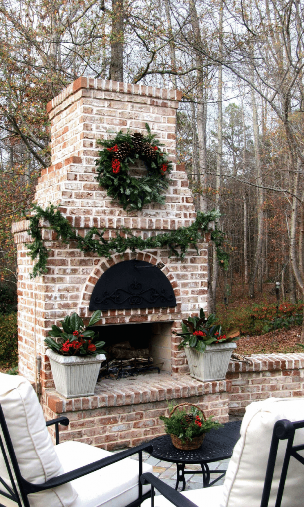 outdoor_fireplace_ideas_with_brick