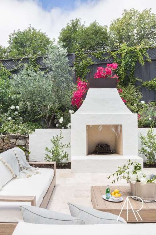 outdoor_fireplace_seating_ideas