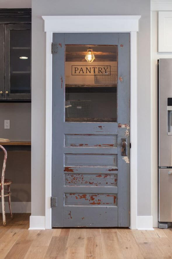 pantry_door_design_ideas