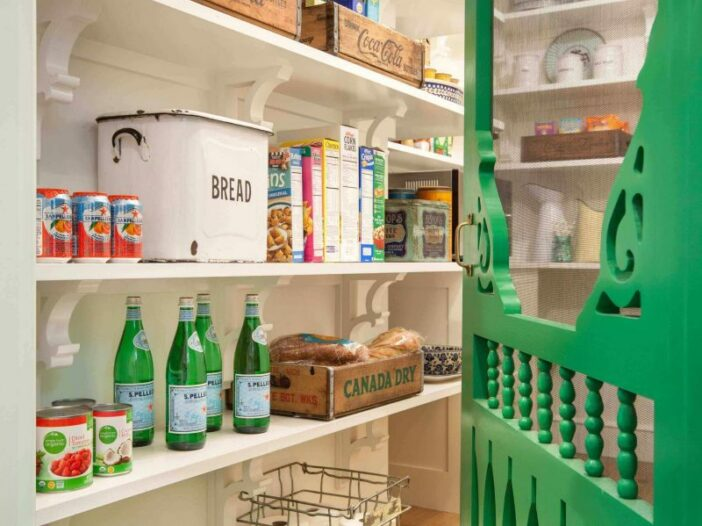 pantry_storage_ideas_on_a_budget