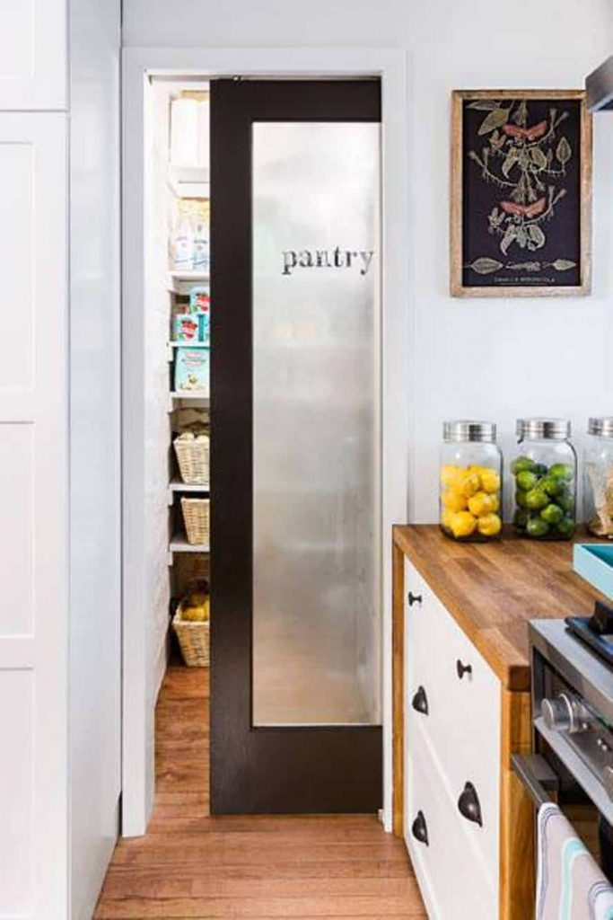 sliding_pantry_door_ideas