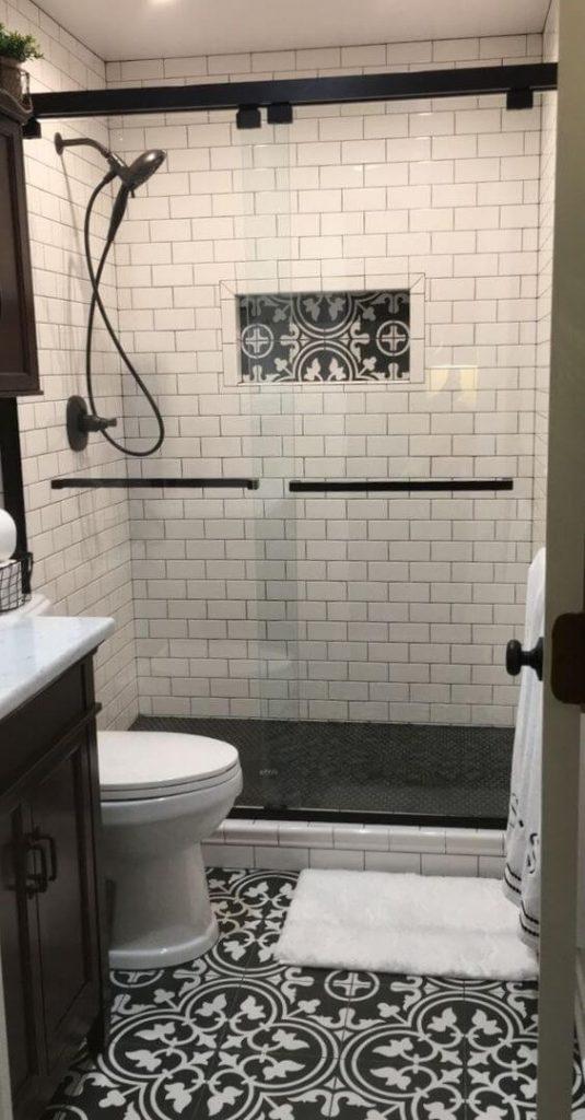 small_bathroom_shower_tile_ideas