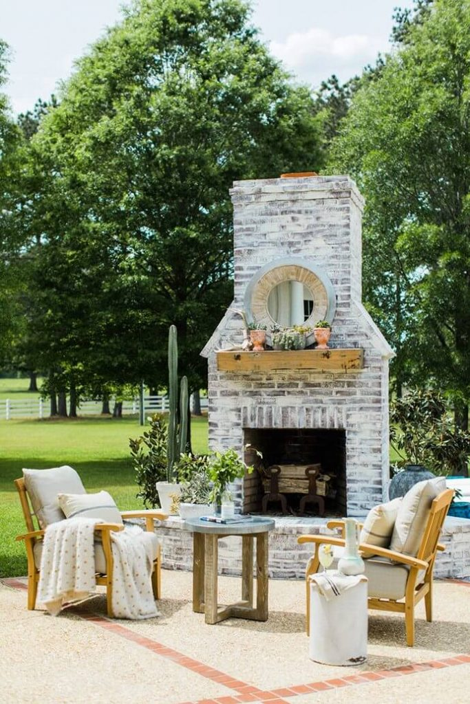 small_outdoor_fireplace_ideas