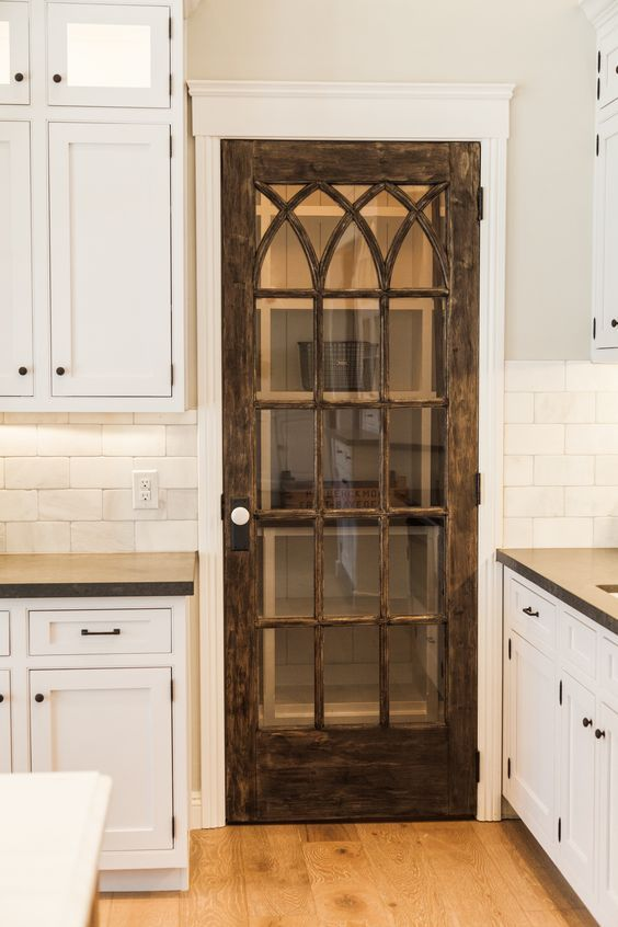 small_pantry_door_ideas