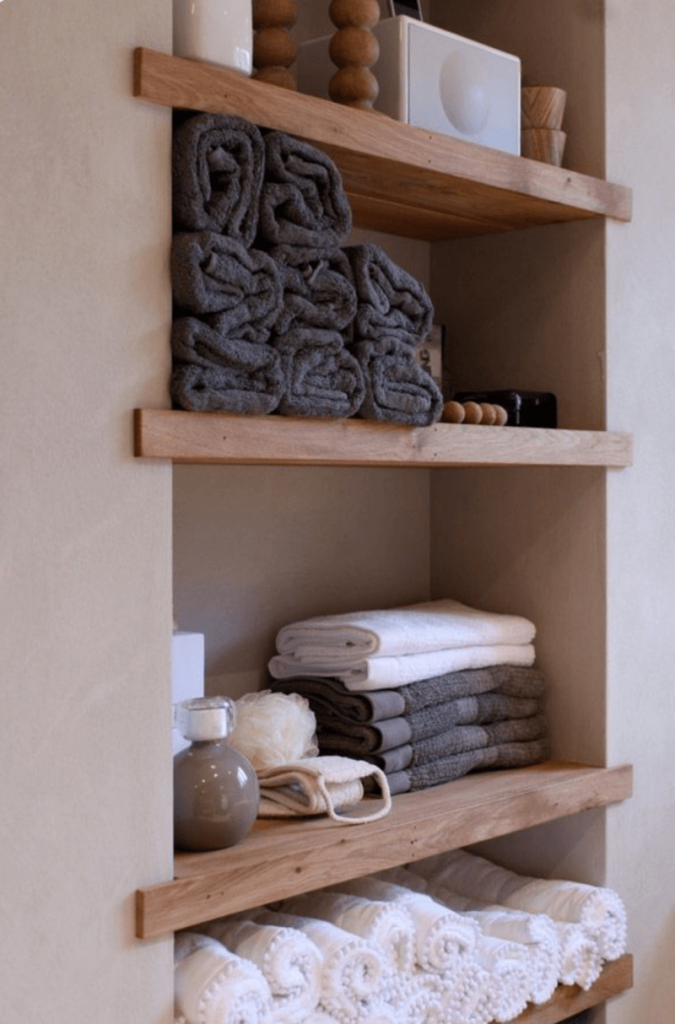 towel_shelves_for_bathroom