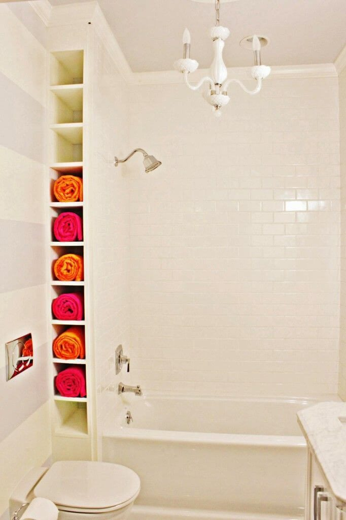 Corner-Bathroom-Towel-Storage