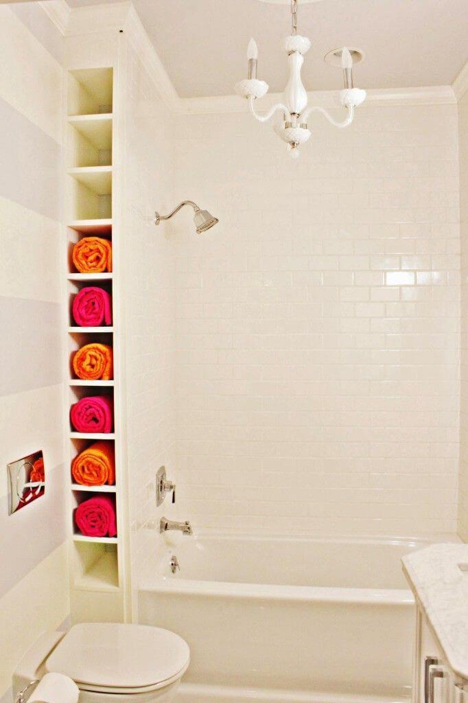 Corner-Bathroom-Towel-Storage