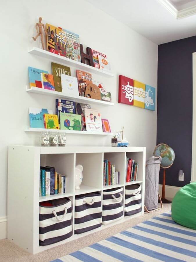 cute bookshelf decor