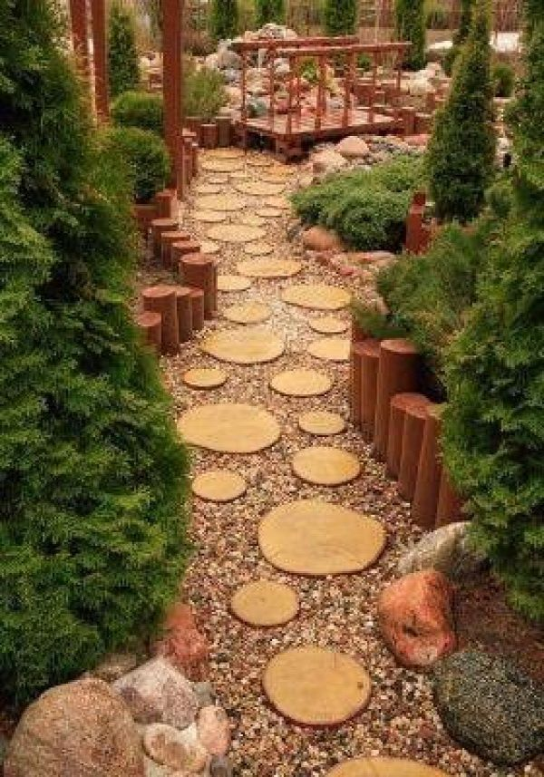 ideas for tree stump in front yard