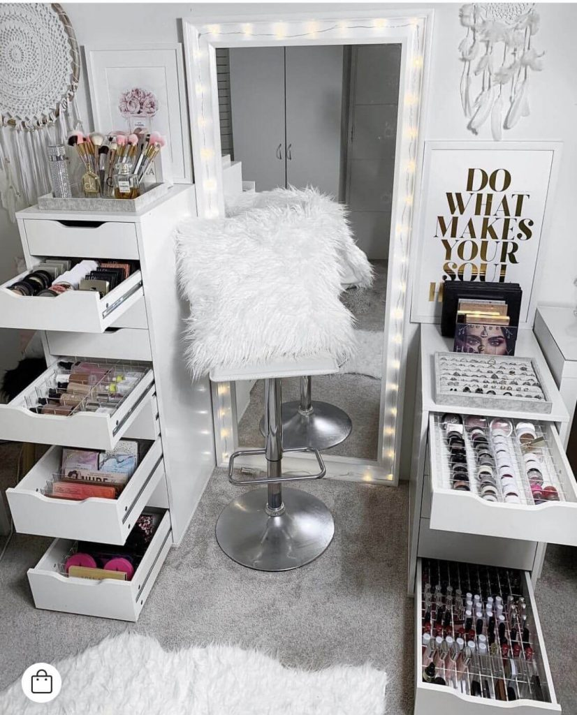 makeup palette storage ideas