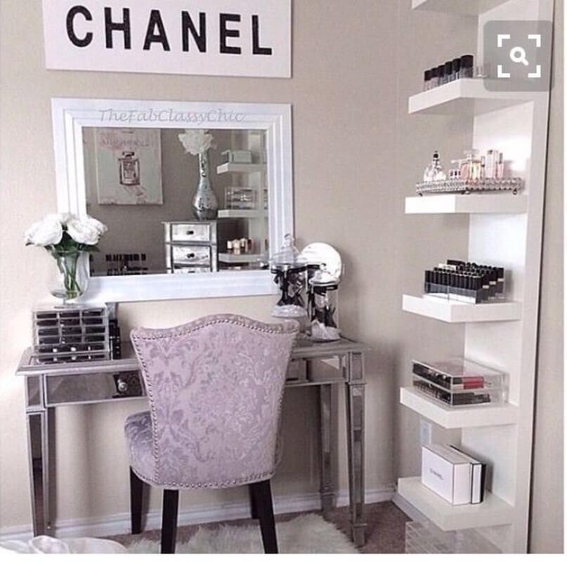 makeup room accessories