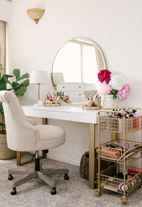 makeup room organization