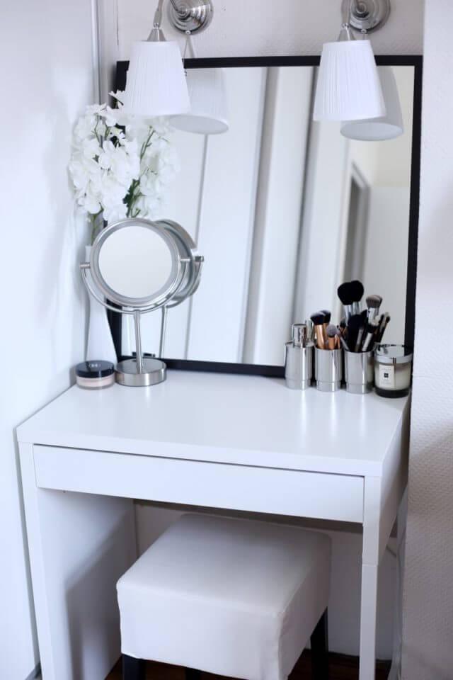 makeup room setup