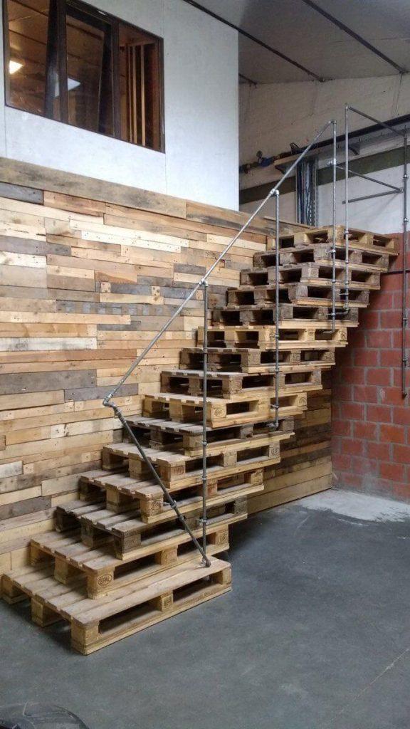 stairway wall decor ideas