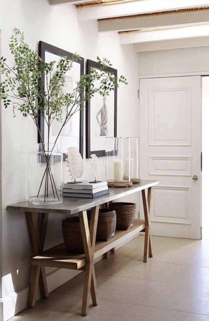 wall decor for entryway