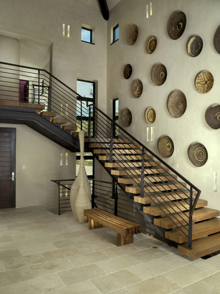 wall decor for staircase
