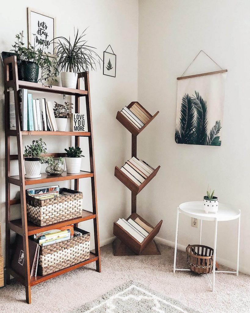 Ladder Bookshelf Decor Ideas