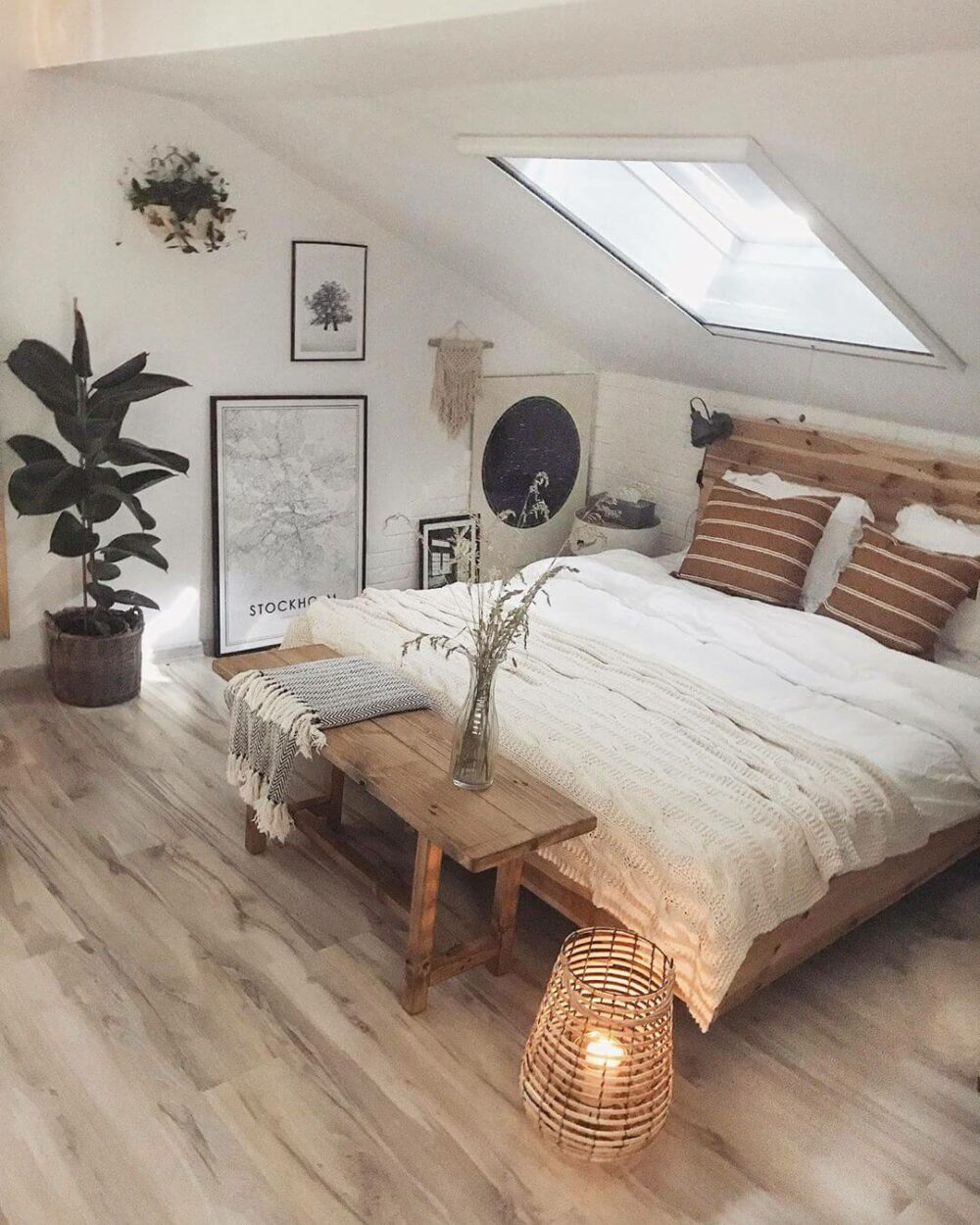 farmhouse bedroom decorations