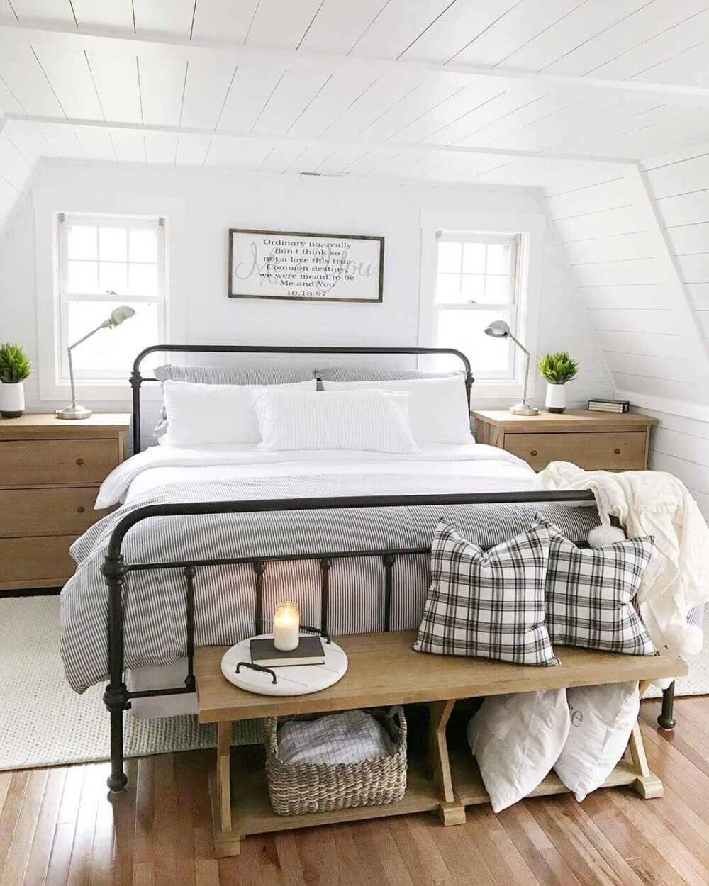 farmhouse ideas for a bedroom
