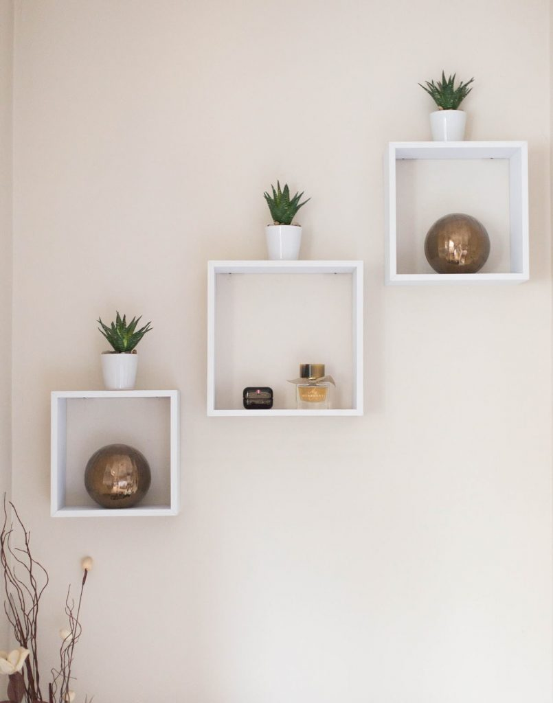 floating shelves arrangement ideas