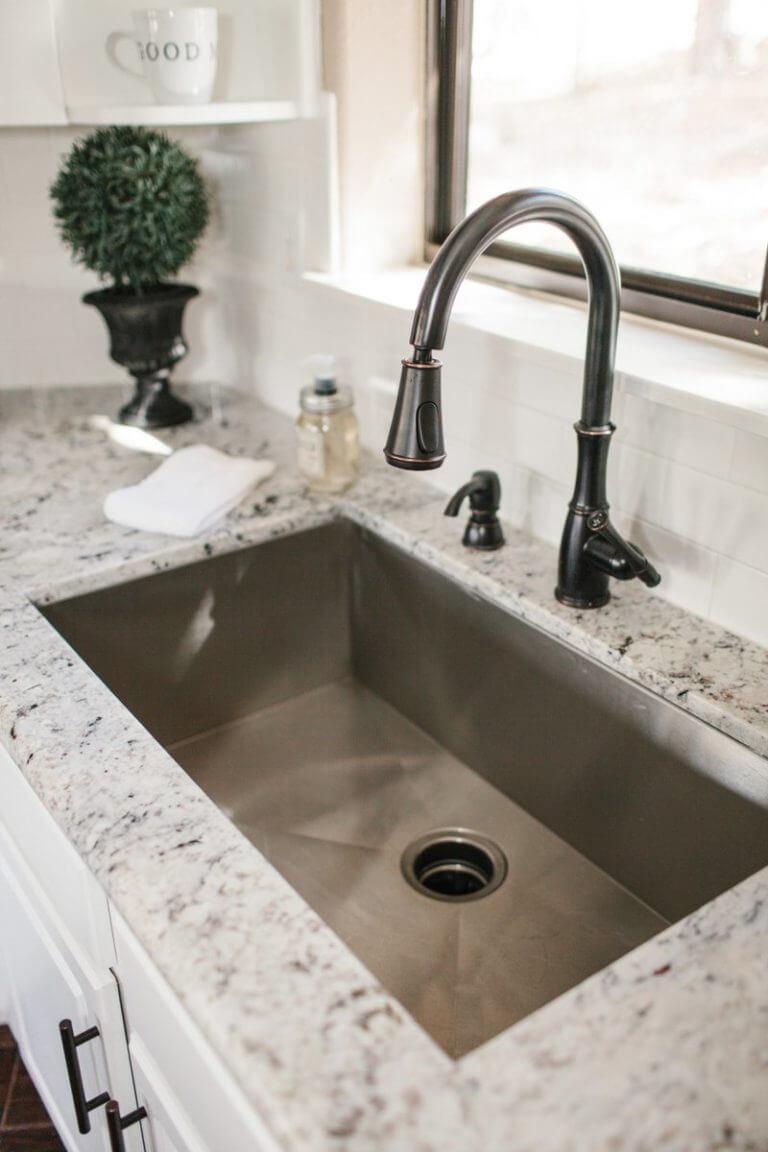 kitchen sink backsplash ideas
